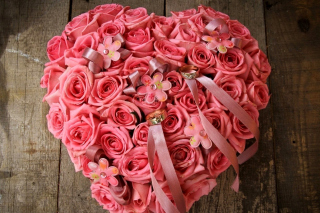Free Pink heart from roses Ultra HD Picture for Samsung Galaxy Tab 10.1