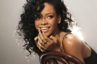 Rihanna Wallpaper for Android, iPhone and iPad