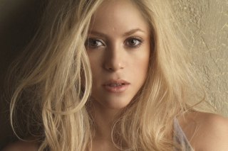 Blonde Shakira Background for Android, iPhone and iPad