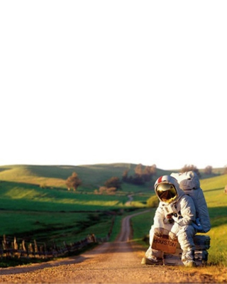 Astronaut On The Road - Fondos de pantalla gratis para Nokia Lumia 800