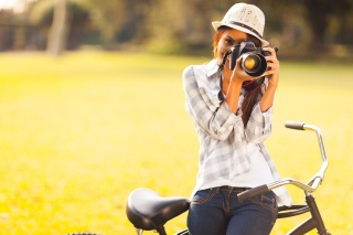 Girl photographer Wallpaper for 220x176