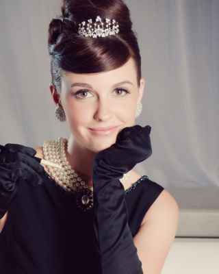 Audrey Hepburn Background for Nokia X3