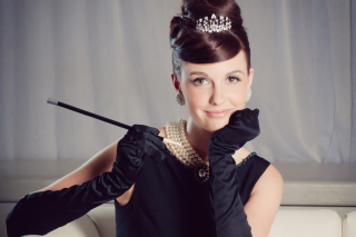 Free Audrey Hepburn Picture for Fullscreen Desktop 1600x1200