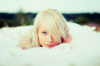 White Veil & Blonde Girl Background for Android, iPhone and iPad