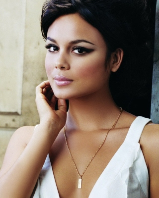 Nathalie Kelley, Fast and Furious Picture for Nokia C2-02