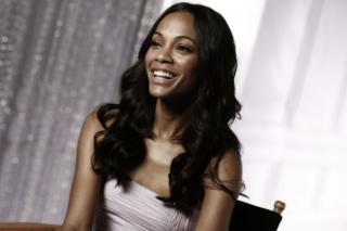 Free Zoe Saldana Smiling Picture for Android, iPhone and iPad