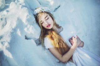 Sleeping Snow Beauty Picture for Android, iPhone and iPad