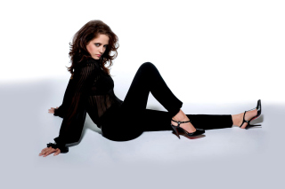 Eva Green on High Heels Background for Android, iPhone and iPad