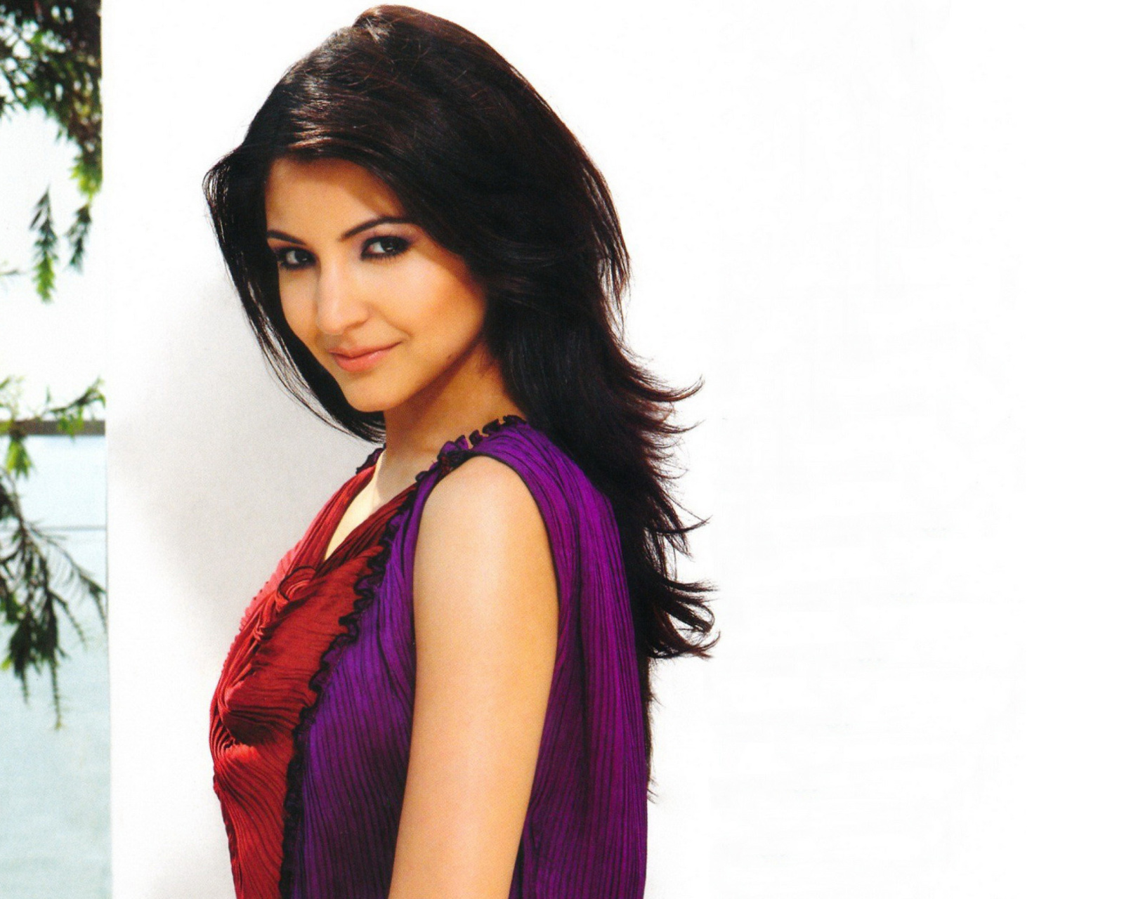 Screenshot №1 pro téma Anushka Sharma from Rab Ne Bana Di Jodi 1600x1280
