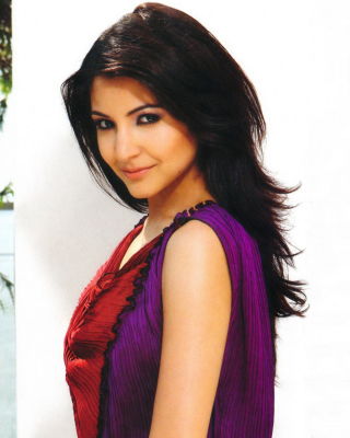 Anushka Sharma from Rab Ne Bana Di Jodi Background for Nokia Asha 311