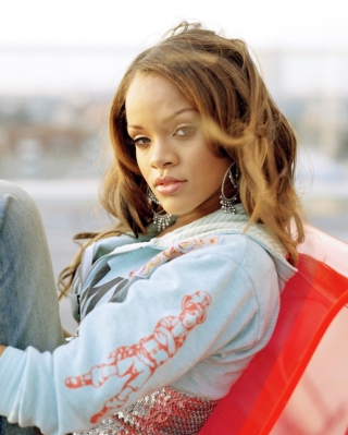 Rihanna sfondi gratuiti per iPhone 6 Plus