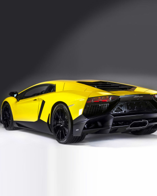 Lamborghini Aventador LP 720 4 Roadster Wallpaper for iPhone 5C