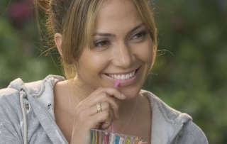 Free Jennifer Lopez Picture for Android, iPhone and iPad