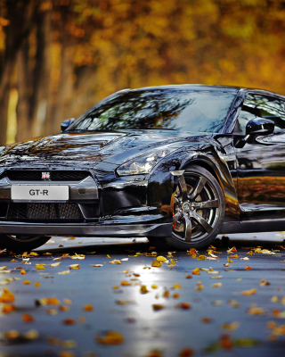 Nissan GT R in Autumn Forest papel de parede para celular para iPhone 4S