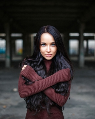 Angelina Petrova Brunette Girl Picture for HTC Titan