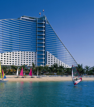 Free Jumeirah Beach Dubai Hotel Picture for 240x320