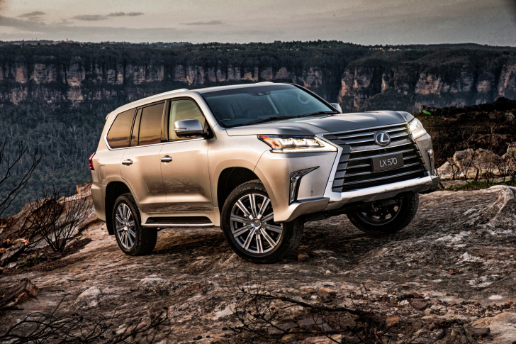 Lexus LX 570 wallpaper