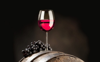 Free Red Wine Glass Picture for Android, iPhone and iPad
