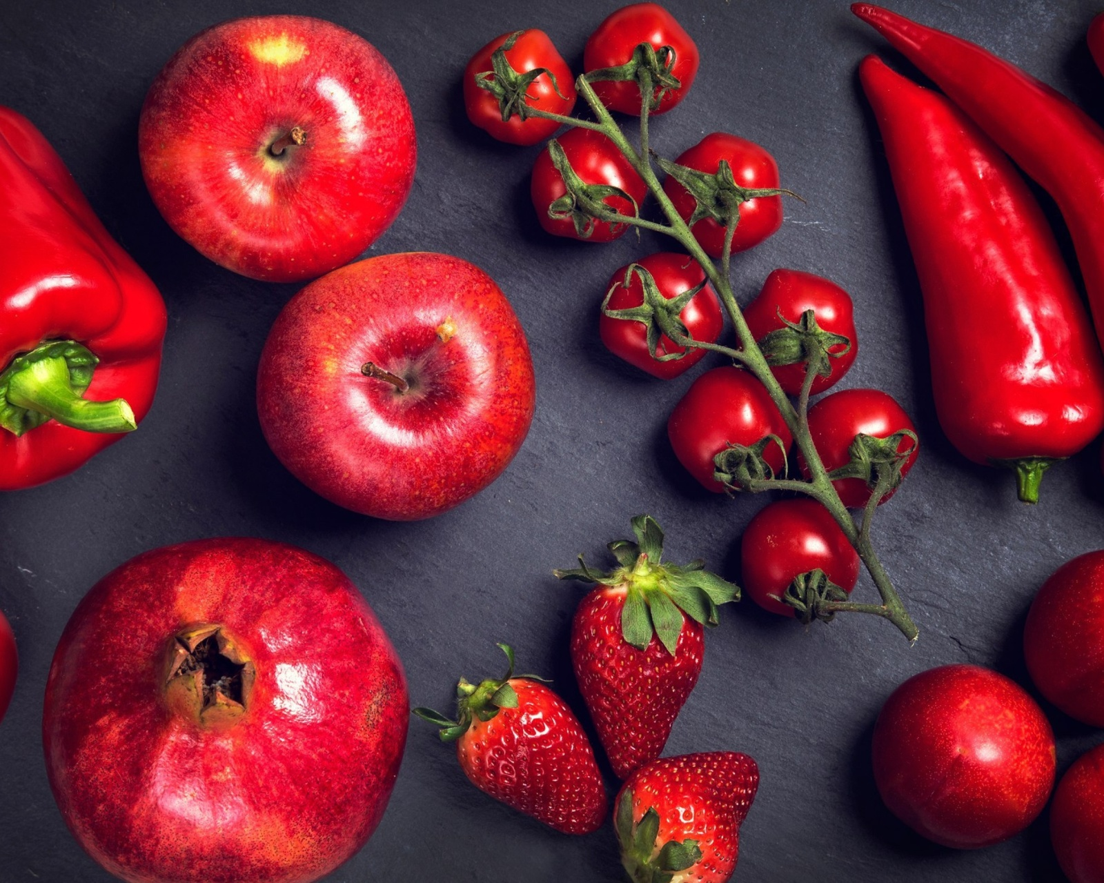Screenshot №1 pro téma Red fruits and vegetables 1600x1280