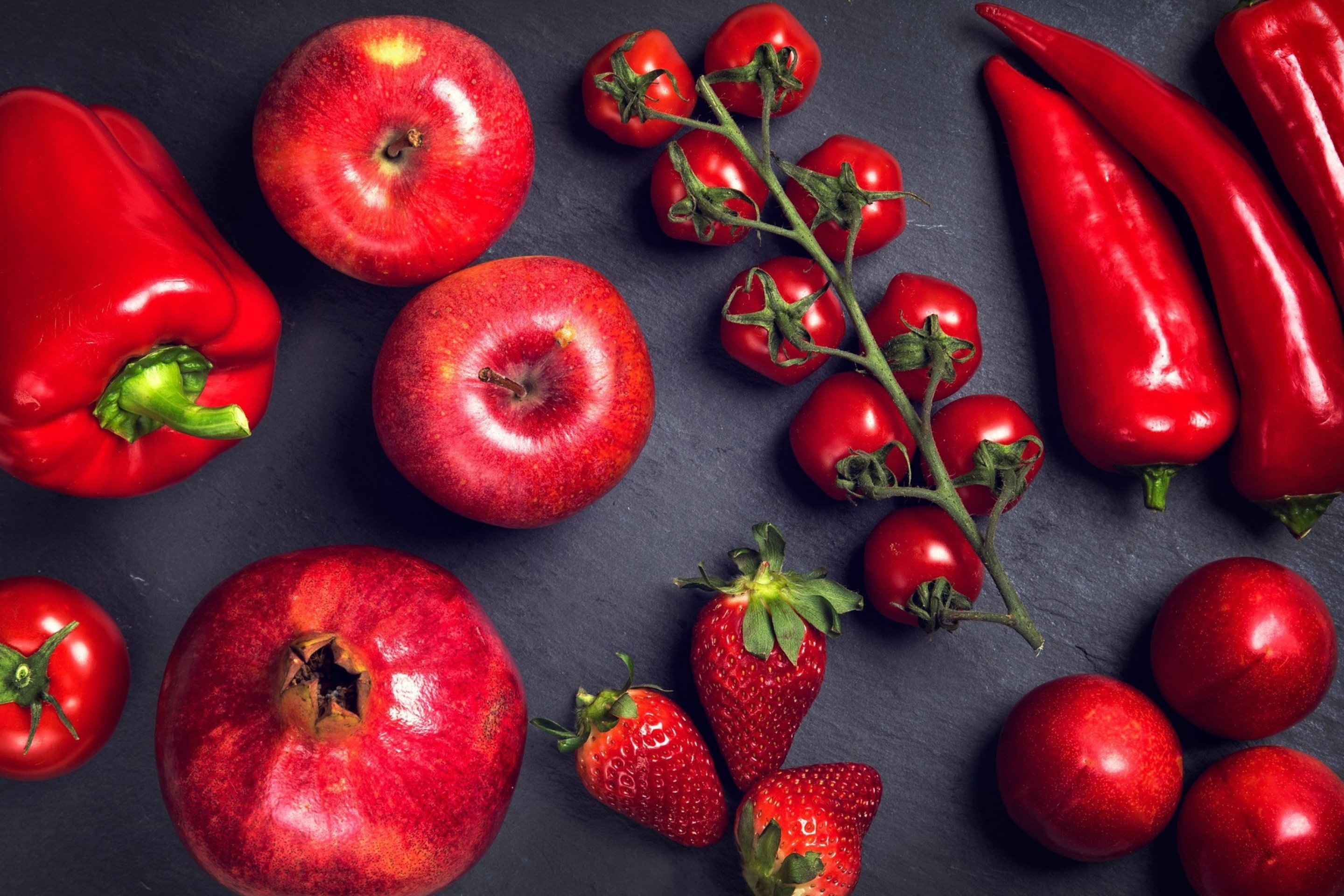 Screenshot №1 pro téma Red fruits and vegetables 2880x1920