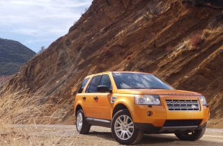 Land Rover Freelander 2 sfondi gratuiti per cellulari Android, iPhone, iPad e desktop