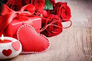 Valentines Day Gift and Hearts papel de parede para celular para Fullscreen Desktop 1600x1200