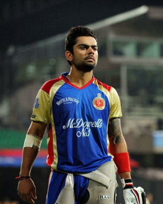 Virat Kohli in India Cricket HD - Fondos de pantalla gratis para iPhone 5