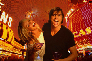 Cameron Diaz And Ashton Kutcher in What Happens in Vegas - Obrázkek zdarma pro Nokia Asha 205