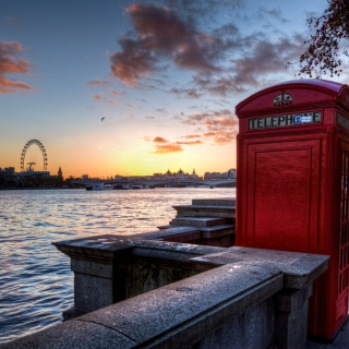 Kostenloses England Phone Booth in London Wallpaper für 2048x2048