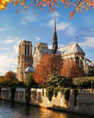 Free Notre Dame de Paris Picture for HTC Titan
