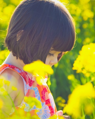 Cute Little Girl At Summer Meadow - Fondos de pantalla gratis para Nokia X2