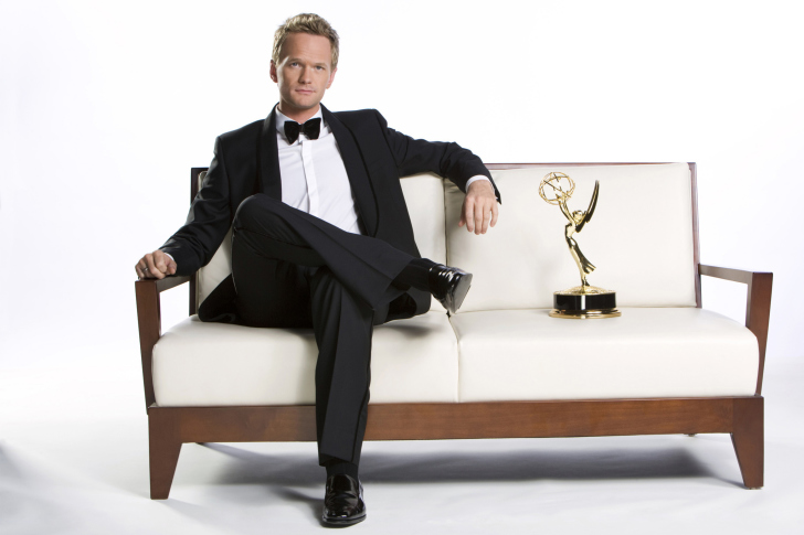 Neil Patrick Harris with Emmy Award wallpaper