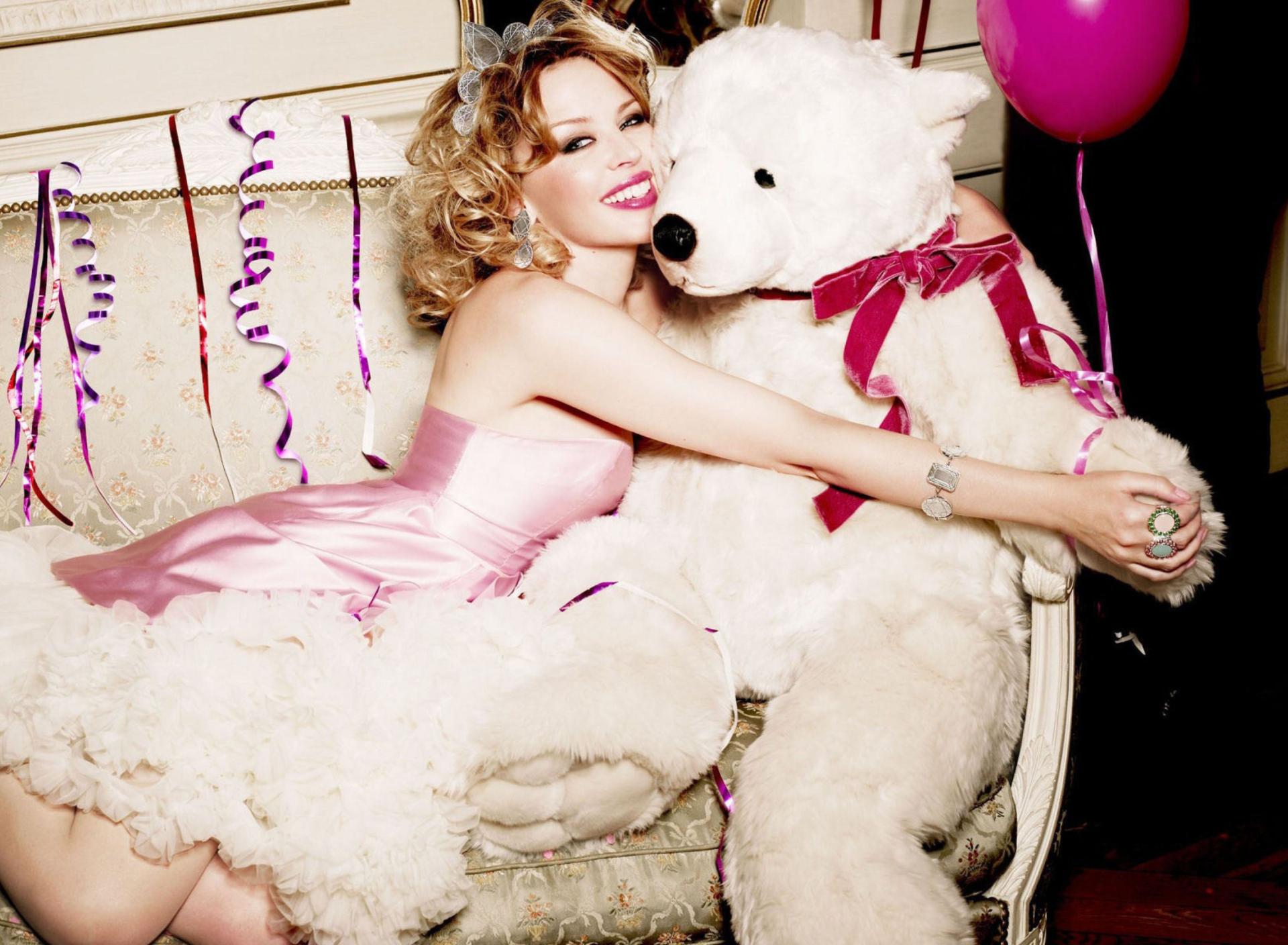Фото девушек с игрушками крейзи лав большими