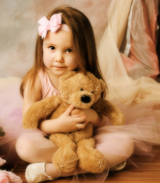 Cute Little Girl With Teddy Bear papel de parede para celular para iPhone 6