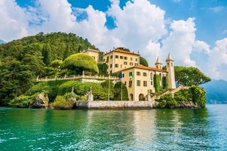 Lake Como in Italy Must Visit Background for Android, iPhone and iPad