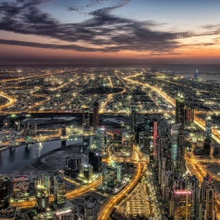 Dubai Night City Tour in Emirates - Fondos de pantalla gratis para iPad 2