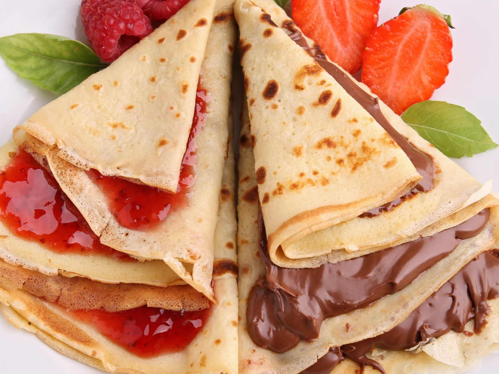 Das Most delicious pancakes with jam Wallpaper 1600x1200