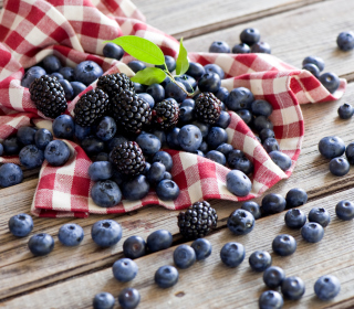 Blueberries And Blackberries - Fondos de pantalla gratis para iPad mini