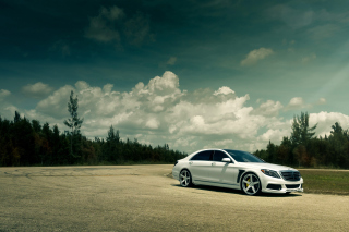 Mercedes- Benz S550 Tuned Brabus Background for Android, iPhone and iPad