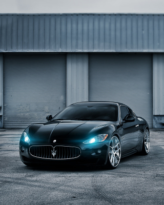Maserati GranTurismo Wallpaper for HTC Titan