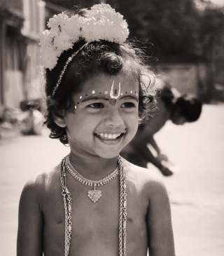 Free Cute Child Black And White Picture for Nokia C2-05