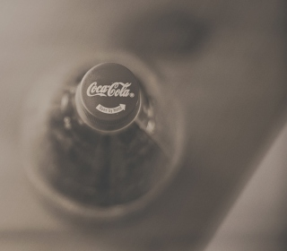 Free Coca-Cola Bottle Picture for 208x208