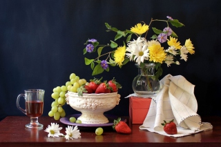 Berries and bouquet Still life Wallpaper for Android, iPhone and iPad