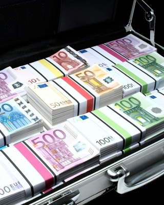 Bundle Of Euro Banknotes sfondi gratuiti per iPhone 6 Plus