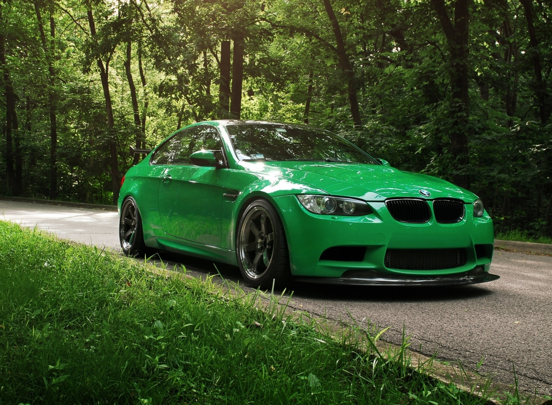 Screenshot №1 pro téma Green BMW Coupe 1920x1408