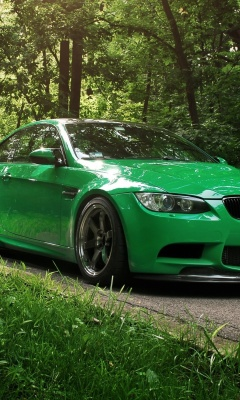 Screenshot №1 pro téma Green BMW Coupe 240x400