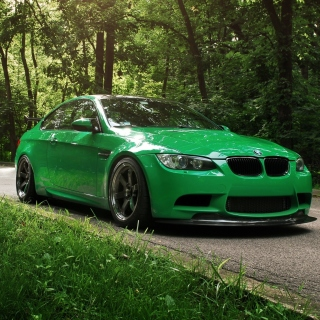 Green BMW Coupe - Fondos de pantalla gratis para iPad mini