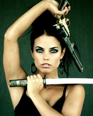 Warrior girl with swords papel de parede para celular para iPhone 4S