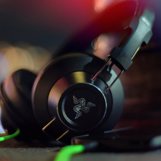 Razer Adaro DJ Analog Headphones sfondi gratuiti per iPad Air