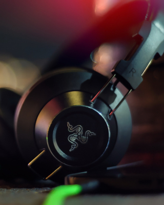 Kostenloses Razer Adaro DJ Analog Headphones Wallpaper für iPhone 5